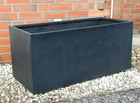 Pflanzkübel Maxi: Robuster Gartenschmuck für jedes Wetter ...