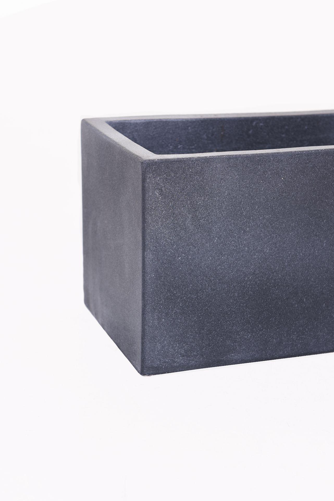 blumenkasten balkonkasten pflanzkasten aus beton flobo 80 cm anthrazit ebay. Black Bedroom Furniture Sets. Home Design Ideas