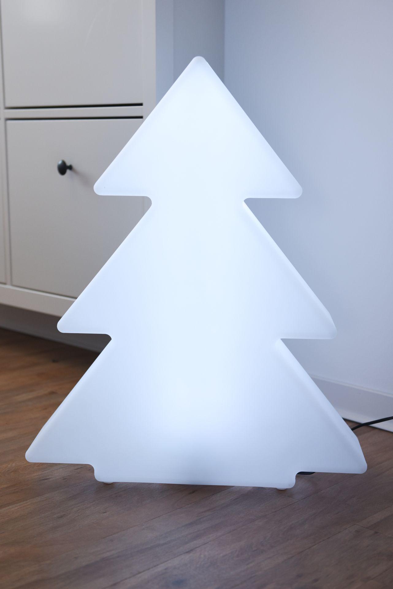 led weihnachtsbaum tannenbaum weihnachten tanna. Black Bedroom Furniture Sets. Home Design Ideas