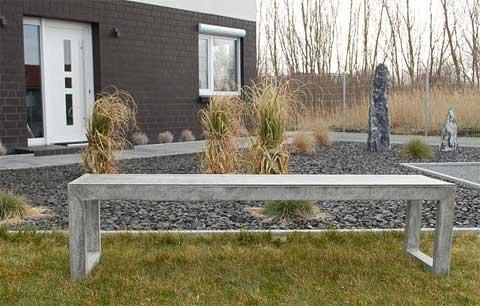 gartenm bel news zwei neue sitzgruppen aus beton im minimal design pflanzk bel blog von ae trade. Black Bedroom Furniture Sets. Home Design Ideas