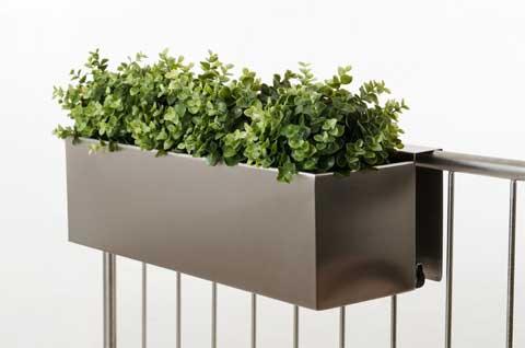 neue pflanzk bel aus zink und schicke balkonk sten aus edelstahl pflanzk bel blog von ae trade. Black Bedroom Furniture Sets. Home Design Ideas